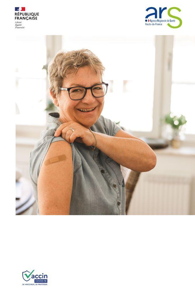 Affiches-chaque-vaccination-senior-femme