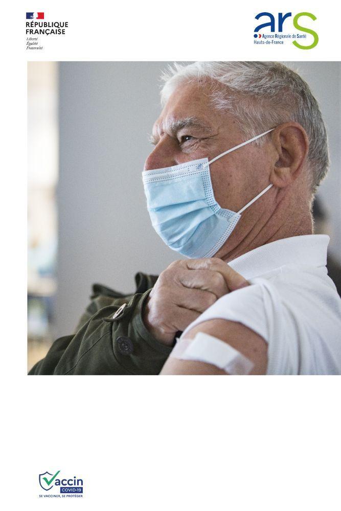 Affiches-chaque-vaccination-senior-homme