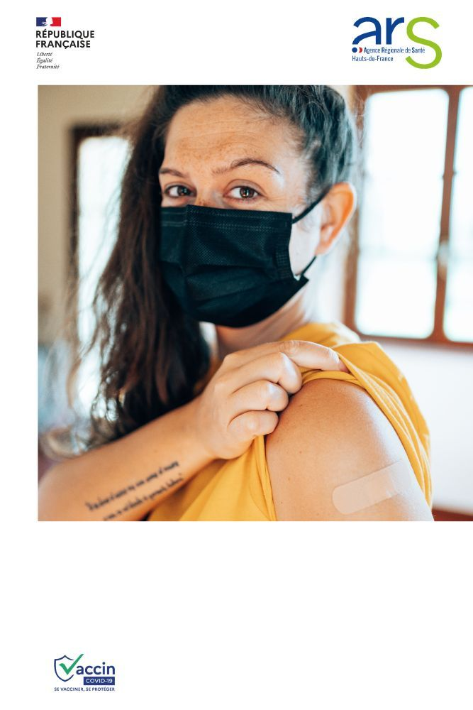 Affiches-chaque-vaccination-trentenaire-femme